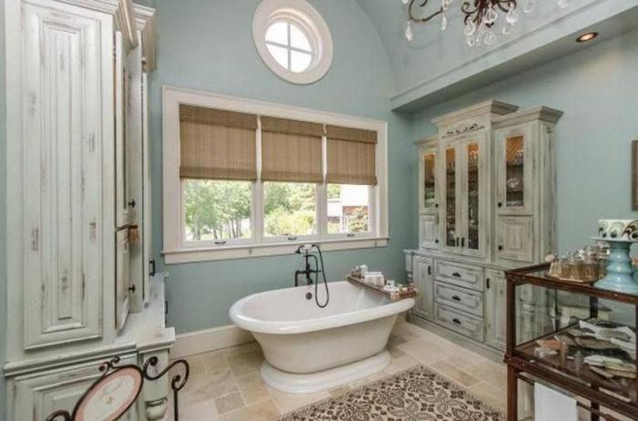 Кованые светильники для ванной