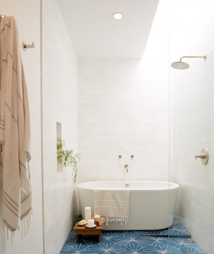 Ванная комната 2011 года стойка для ванной со смесителем купить
